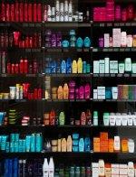 szeroki asortyment szamponów oczyszczających